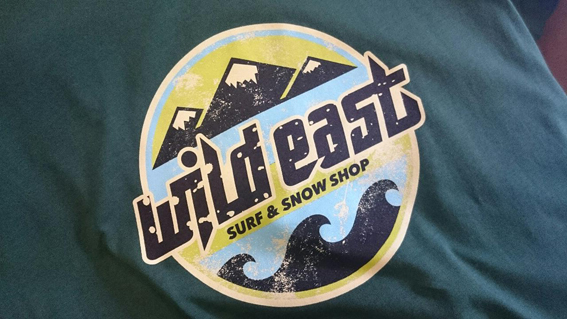 Wild East T-Shirts und Hoodies